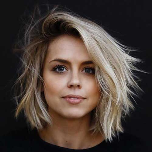 Layered Short Haircuts for Round Faces-12