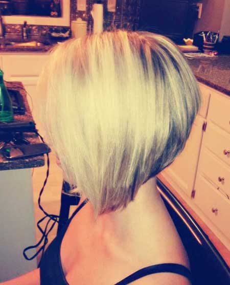 Simple and Cute Short Bob Hairstyle