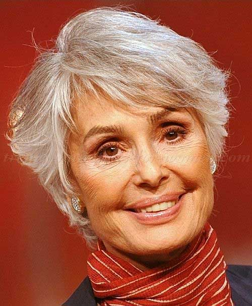 Layered Short Cut Hairdo Women Over 50