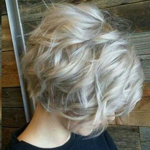 Short Wavy Blonde Bob Cuts