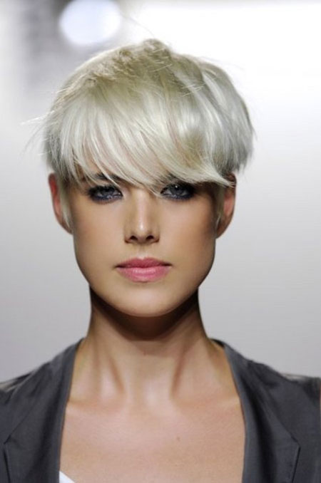 Trendy Short Hair Cut Pictures