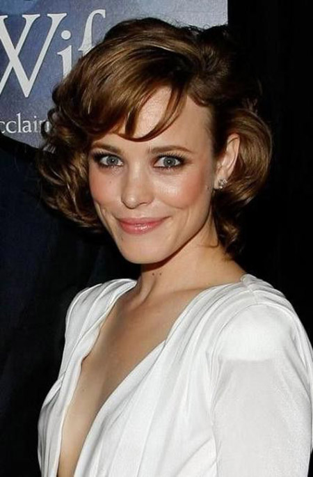 Charming and Attractive Curly Bob Cut