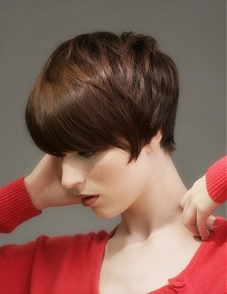 Great Hairstyles for Short Straight Hair