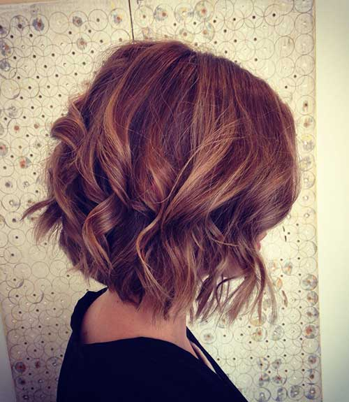 Wavy Highlighted Bob Hair