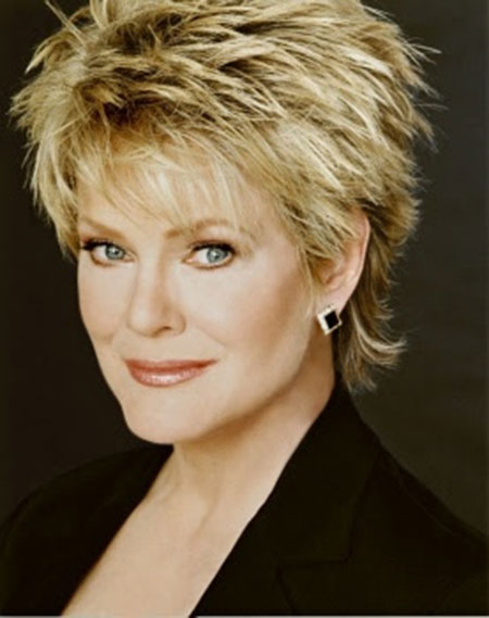 Photos Of Short Haircuts for Older Women_13