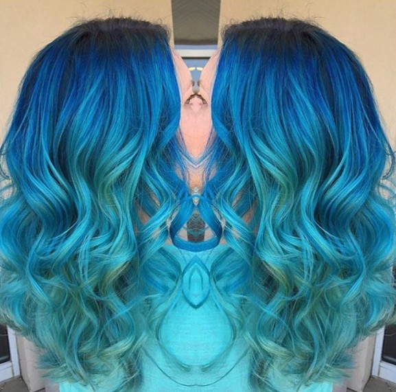 Lockige lange Frisuren - Aqua Blues