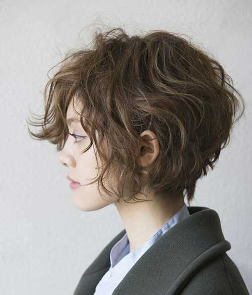 Short Haircuts for Curly Wavy Hair-18