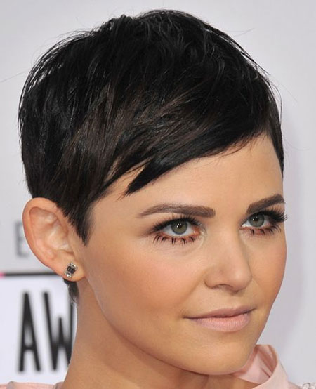 Female Celebrity Short Haircuts_4