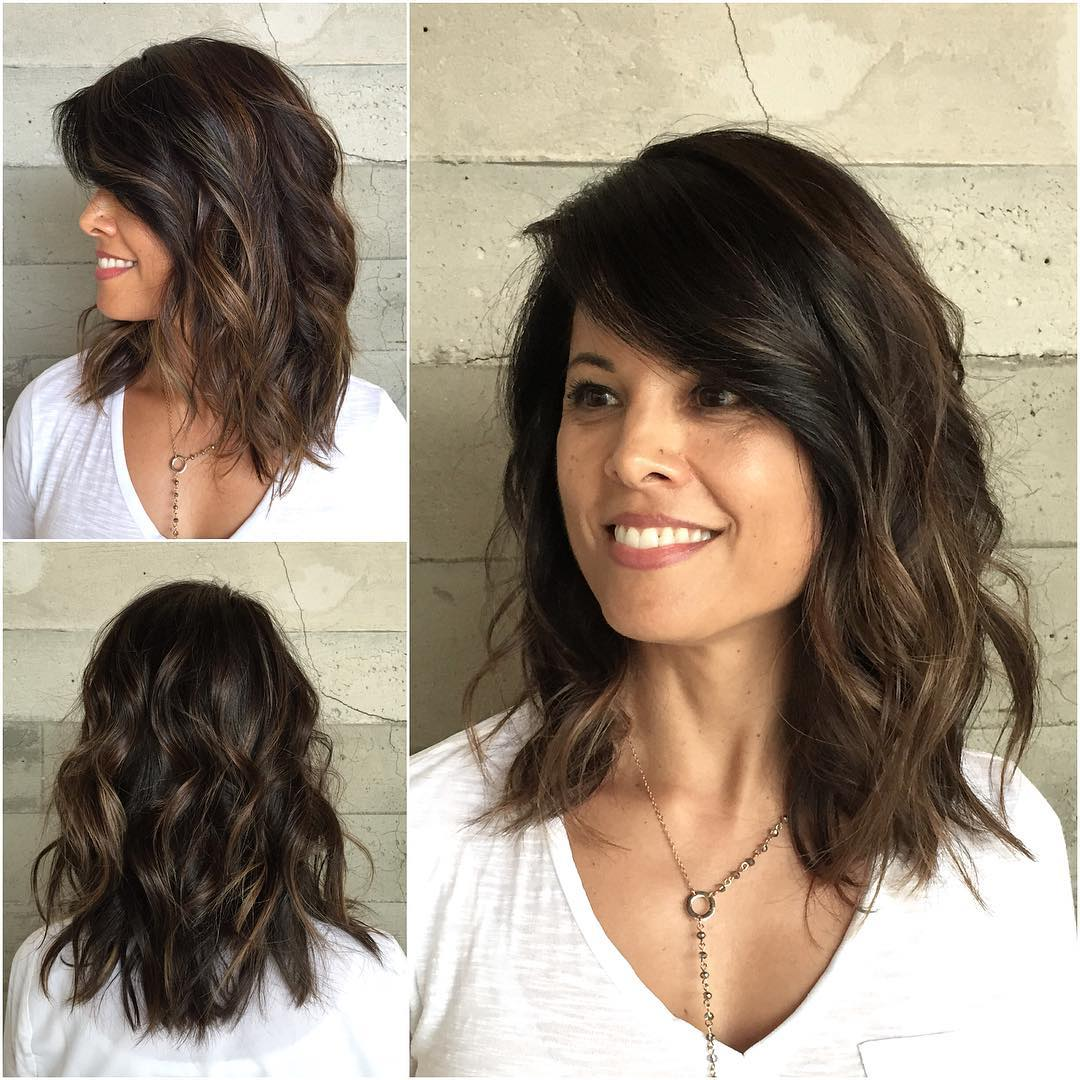 Pretty Medium Wavy Hair Styles - Shoulder Length Haircut for Women