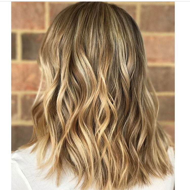 Stylish Wavy Lob Hair Styles - Shoulder Length Wavy Haircuts for Women, Girls