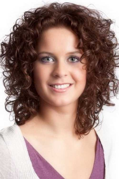 Short Curly Hair for Round Faces-11