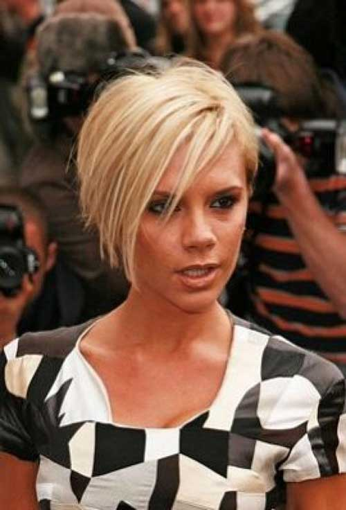 Victoria Beckham Inverted Layered Bob Blonde Hairstyle