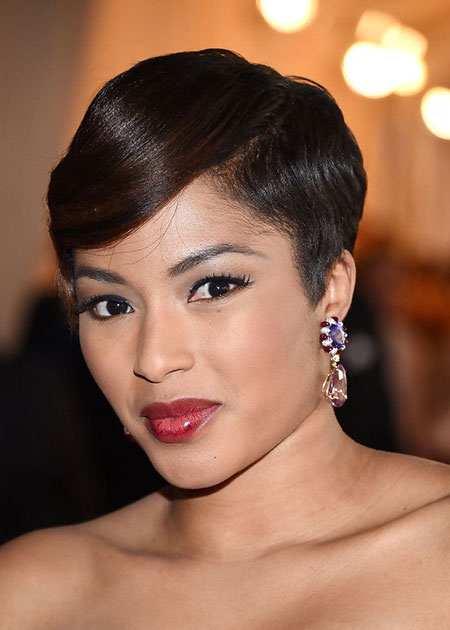 Celebrity Short Hairstyles 2018_9