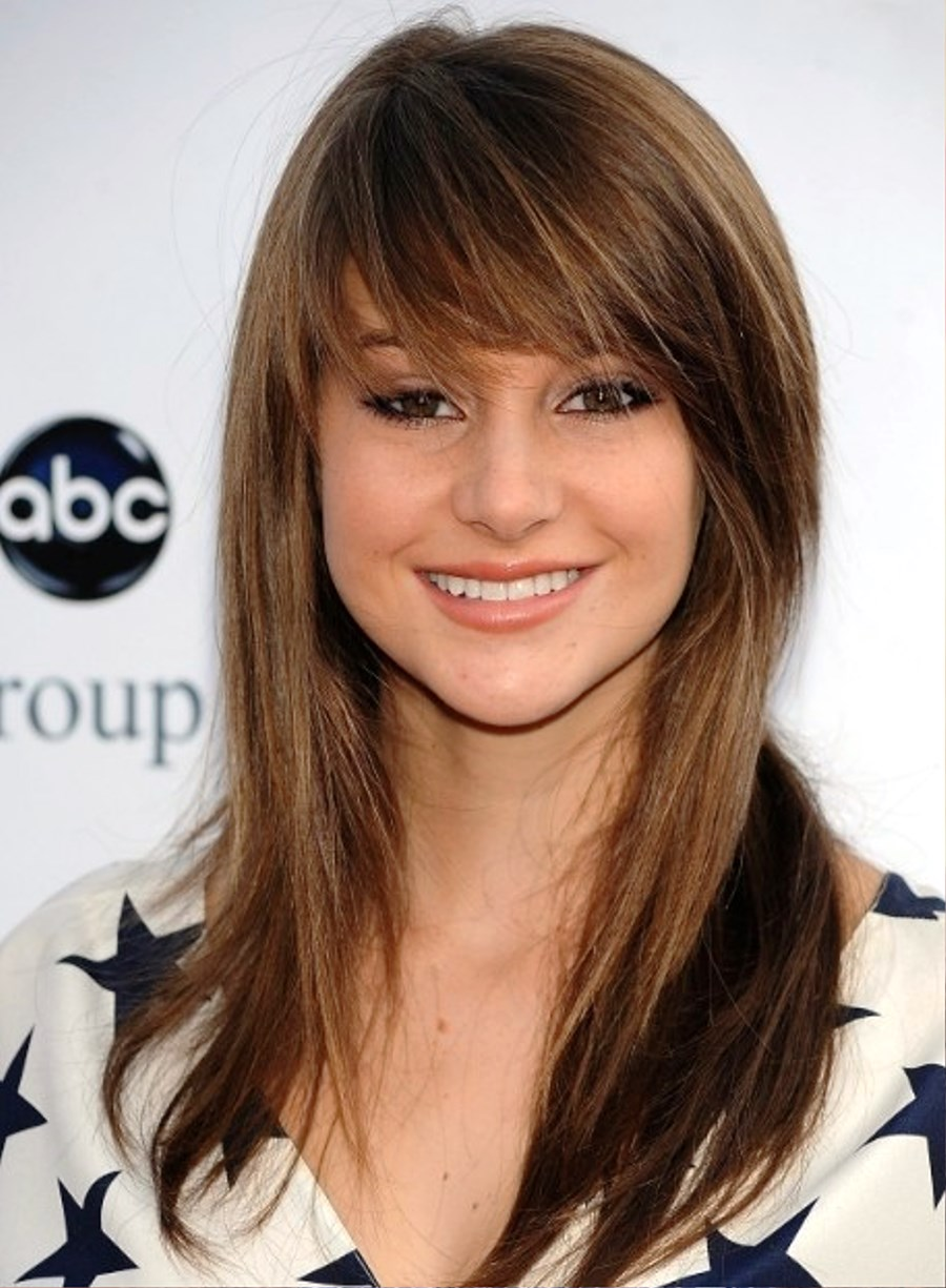 Long Straight Hairstyles with Side Swept Bangs