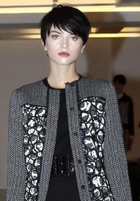 20 Best Short Pixie Haircuts_4
