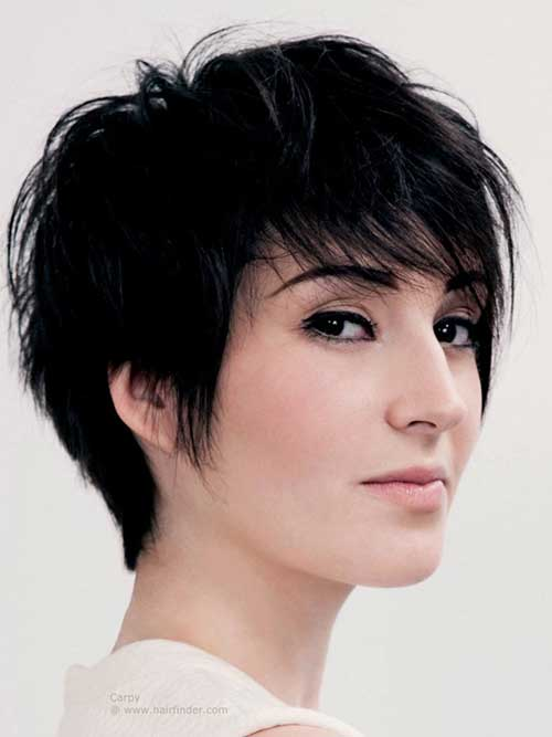 Short Haircuts for Women with Round Faces-13
