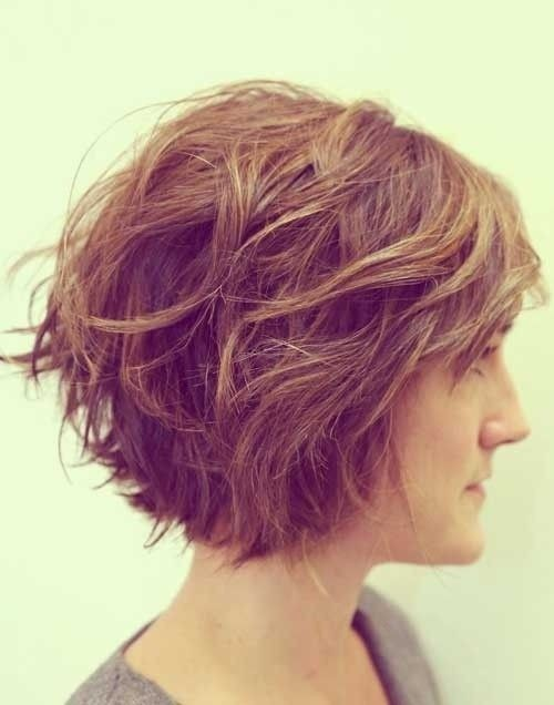 Chic Short Hairstyles for Women with Thick Hair