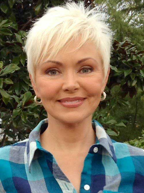 Short Haircuts for Older Ladies-8