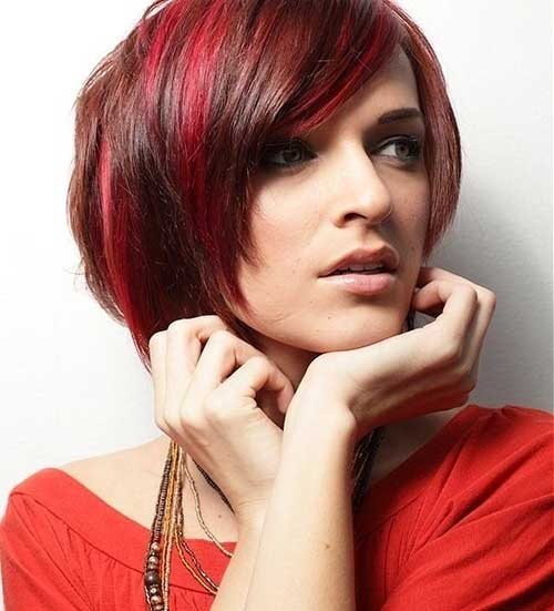 Good Short Layered Bob with Side Bangs