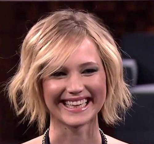 Jennifer Lawrence with Short Hair-15