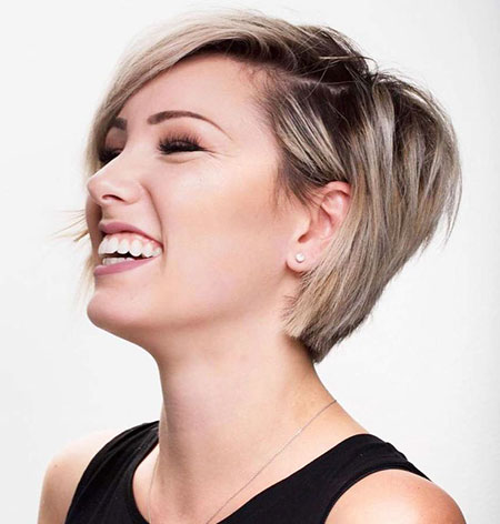 Hair Short Chloe Brown