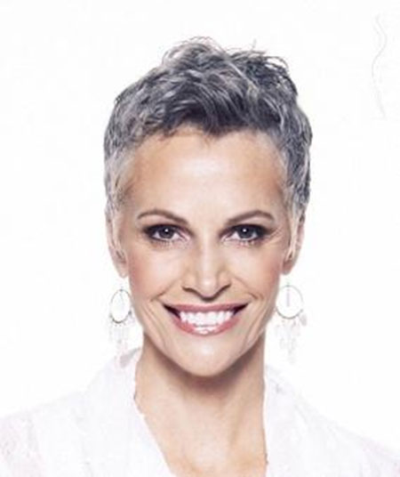 Photos Of Short Haircuts for Older Women_16