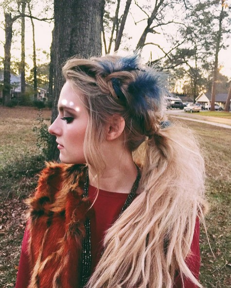 Casual Ponytail Hairstyle with Braid - Easy Everyday Hairstyles for Long Hair