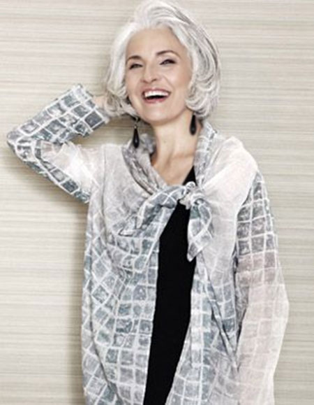 Photos Of Short Haircuts for Older Women_20