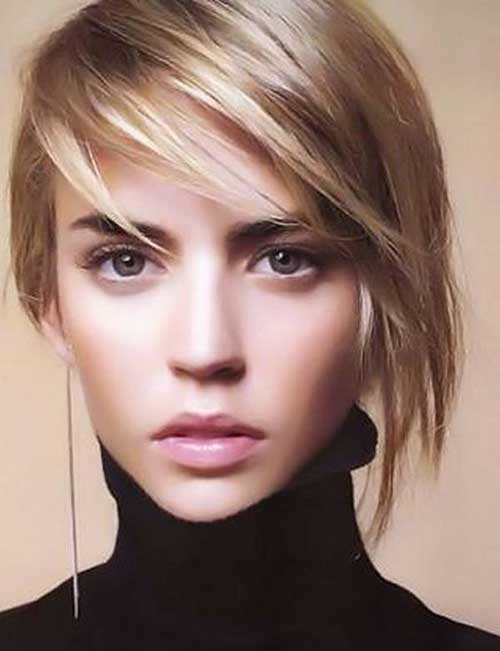 Layered Short Haircuts for Round Faces-19