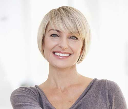 Short Bob Hairstyles with Side Swept Bangs-19