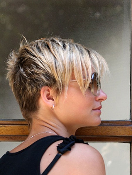 Trendy Short Hairstyles and Colors