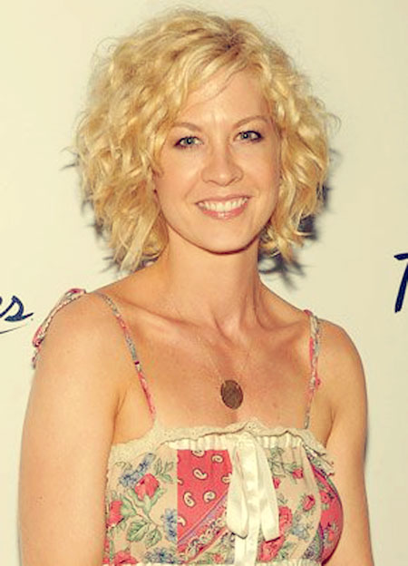Pictures Of Short Curly Hair 2013