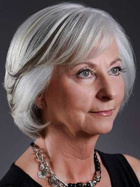 Best Short Haircuts for Older Women-2