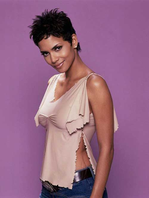 Halle Berry Pixie Cuts-7
