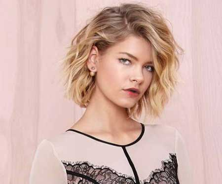 Side Swept Short Hair with Wavy Long Bangs