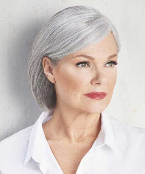 Short Haircuts for Women Over 50-25