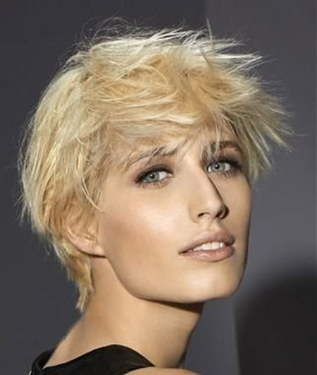 Girl with Short Blonde Hair_7