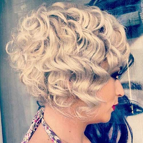 New Short Curly Hairstyles for Women - 25