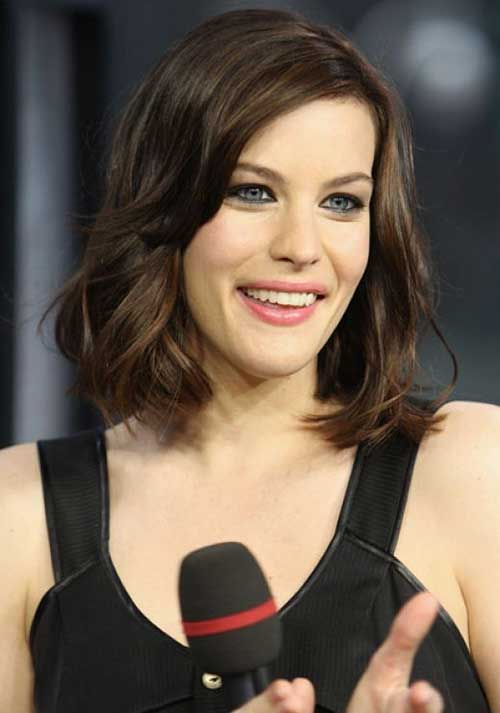 Liv Tyler Chin Length Hair for Oval Faces