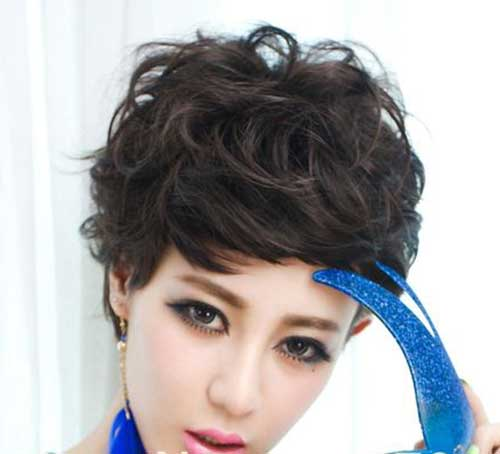 Short Haircuts for Curly Wavy Hair-16