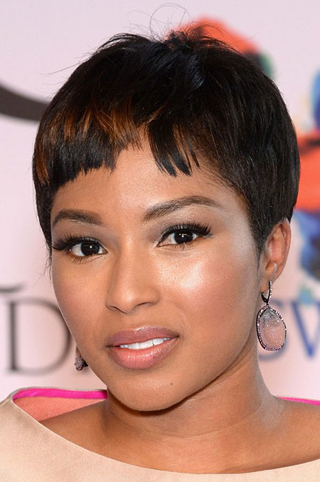 20 Best Short Pixie Haircuts_14