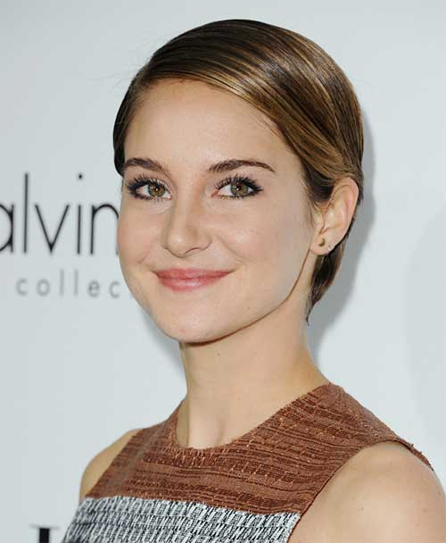 Celebs with Pixie Cuts-19