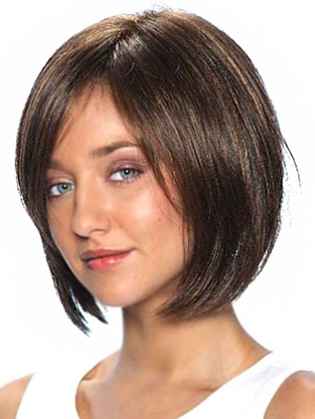 Side Parted Bob Hairstyle with Long Bangs