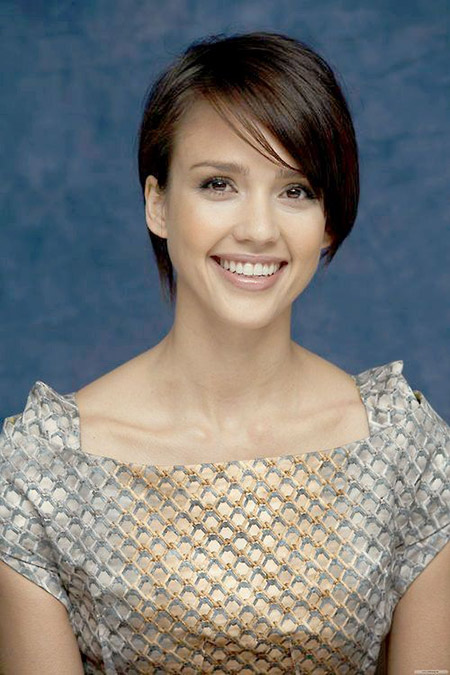 Simple yet Charming Bob Cut by Jessica Alba