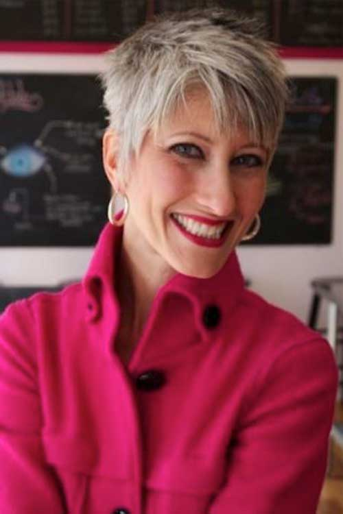 Short Hair For Women Over 60-14