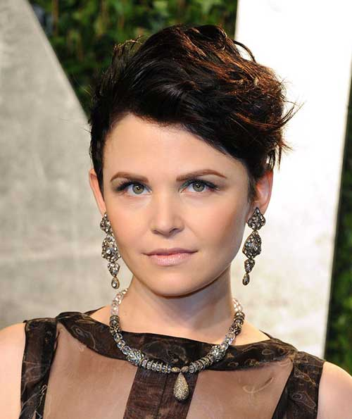 Round Face Short Haircuts for Wavy Thick Hair Ideas
