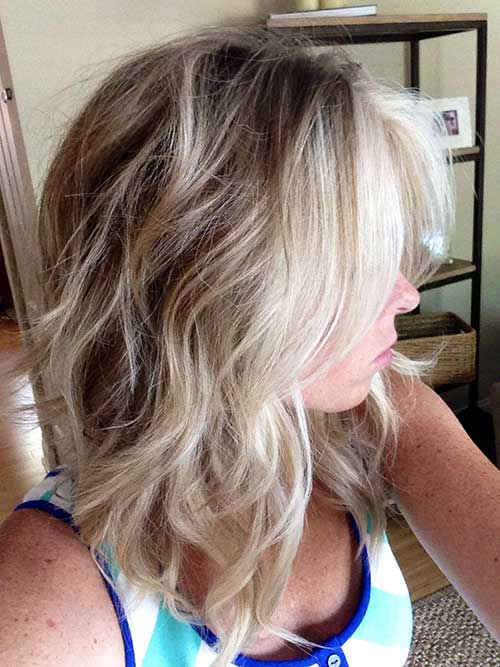 Long Inverted Wavy Bob