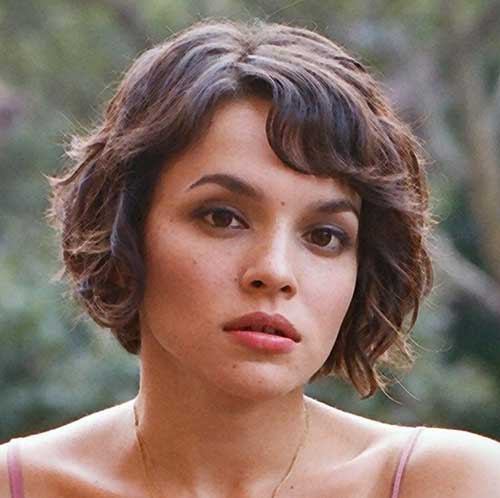 Short Hair for Round Faces-13