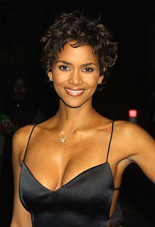 Halle Berry Pixie Cuts-11