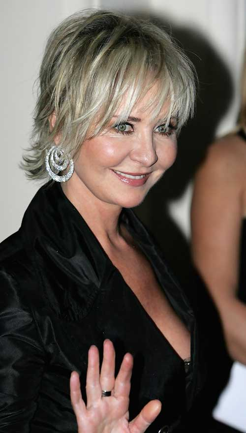 Bob Haircuts for Older Women-7